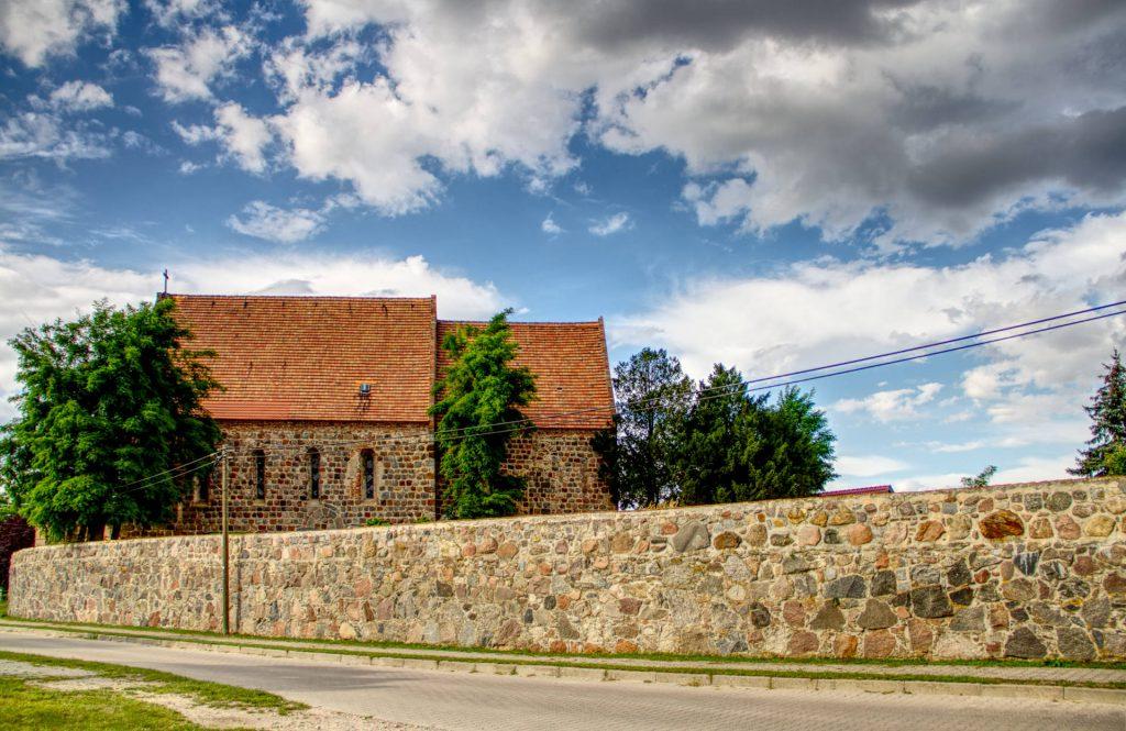 Kirche Hohenlandin